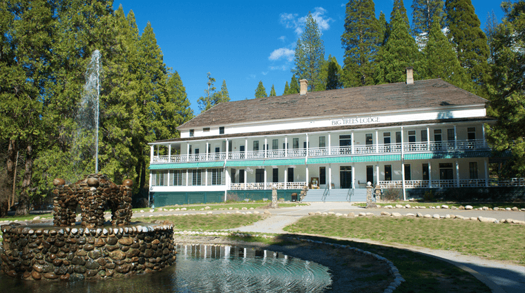 Big Tree Lodge in Wawona