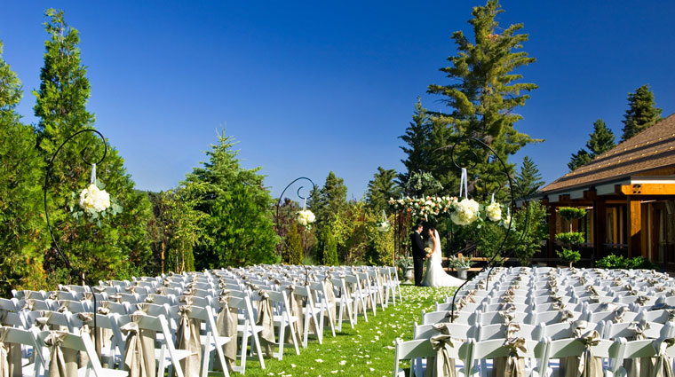 Tenaya Lodge wedding lawn ceremony