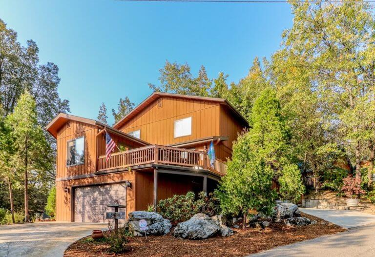Sierra Vacation Home Rentals | Discover Yosemite National Park