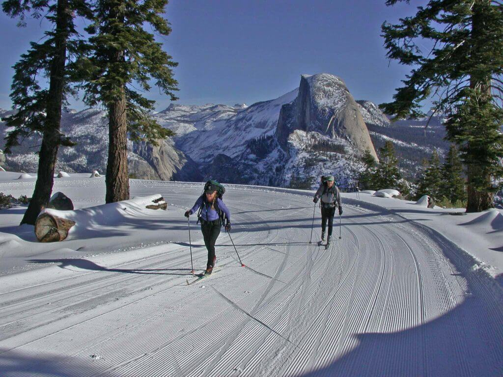 cross country skiing in glacier point