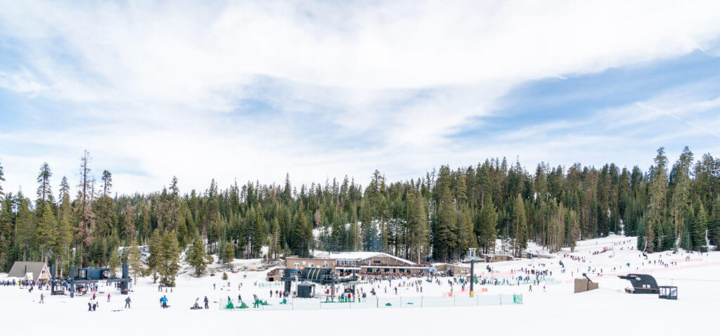 beginner slopes at yosemite ski and snowboard area