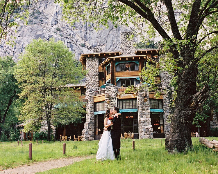 Wedding couple at The Ahwahnee in Yosemite Valley