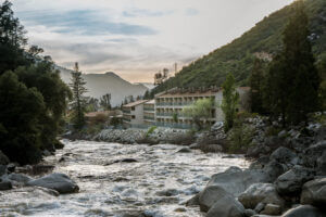 Yosemite View Lodge along the Merced River